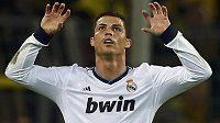 Cristiano Ronaldo z Realu Madrid jásá poté, co v závěru první půle semifinálové bitvy Ligy mistrů v Dortmundu vyrovnal na 1:1.