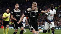 Nizozemští fotbalisté přišli pár dnů před startem Eura o záložníka Donnyho Van de Beeka