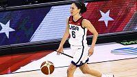 Americká basketbalistka Sue Birdová při přípravě s Nigérií.