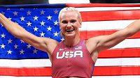 Američanka Katie Nageotteová vyhrála v Tokiu olympijskou soutěž tyčkařek výkonem 490 centimetrů