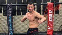 Machmud Muradov v tréninku. Co předvede v dalším zápase pod UFC?
