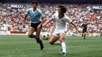 Legendární německý fotbalista Gerhard Müller v dobách své největší slávy. Archivní foto