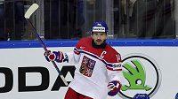 Český kapitán Tomáš Plekanec se raduje z prvního gólu proti Dánsku.