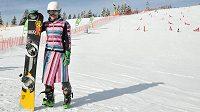 Ester Ledecká a její netradiční snowboardový obleček.