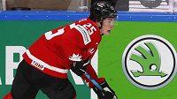Kanadský obránce Owen Power, očekávaná jednička letošního draftu NHL, na MS v Rize.