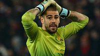 Bude se brankář Víctor Valdés v létě stěhovat z Barcelony do Dagestánu?