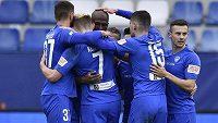 Hráči Slovanu Liberec se radují z prvního gólu v duelu s Bohemians.