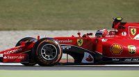 Ferrari Kimiho Räikkönena si mne ruce, náleží mu královské prémie...