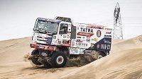 Tatra Martina Kolomého během závěrečného testování před zahájením Rally Dakar.