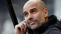 Pep Guardiola s Manchesterem City na vedoucí Liverpol ztrácí