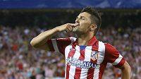Útočník Atlétika Madrid David Villa slaví svůj gól v prvním utkání španělského Superpoháru proti Barceloně.