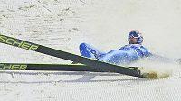 Pád rakouského skokana na lyžích Andrease Koflera.