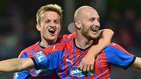 Hráči Plzně se radují z gólu, zleva Jan Kopic a autor branky Michael Krmenčík.