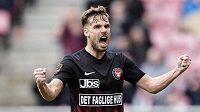 Český obránce Filip Novák z Midtjyllandu se raduje z gólu v dánské lize.