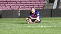 Někdejší kapitán fotbalistů Barcelony Andrés Iniesta veřejně přiznal, že ho během kariéry v katalánském velkoklubu trápily deprese