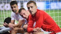 Fotbalisté Slavie Tomáš Souček, Vladimír Coufal a David Hovorka po utkání s Barcelonou.