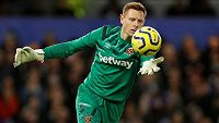 Anglický brankář David Martin vychytal West Hamu nečekanou výhru 1:0 nad Chelsea.