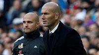 Kouč Realu Madrid Zinedine Zidane během utkání proti Málaze.