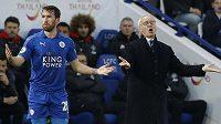 Manařer Leicesteru City Claudio Ranieri je po bídných výsledcích týmu v ohrožení. Zkusil tým nastartovat změnou jídelníčku. Hráčům podle anglických médií těstoviny moc nevoní, raději by jedli v kabině burgery