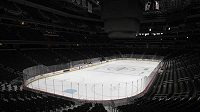 Prázdný hokejový stadion - ilustrační foto.