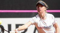 Čtrnáctiletá Linda Fruhvirtová se jako sparringpartnerka zúčastnila tréninku českých tenistek před barážovým střetnutím Fed Cupu s Kanadou.