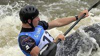 Závody SP ve vodním slalomu, kvalifikace K1 muži. Český kajakář Vít Přindiš.