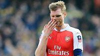 Pera Mertesackera z Arsenalu čeká dlouhá pauza.