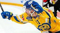 Švédský hokejový útočník švýcarského Davosu Mattias Tedenby se blýskl parádním samostatným nájezdem.