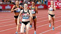 Domácí atletka Laura Muirová pílí na mítinku Diamantové ligy v Birminghamu do cíle závodu na 1000 metrů, česká reprezentantka Simona Vrzalová (není na snímku) skončila osmá.