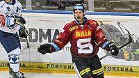 Erik Thorell ze Sparty se raduje z vítězného gólu utkání v prodloužení.