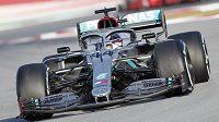 V úvodních testech formule 1 na novou sezonu byl nejrychlejší britský obhájce titulu Lewis Hamilton