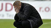 Zoufalý trenér Teplic Stanislav Hejkal po utkání prohraném vysoko 0:8.