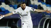 Karim Benzema slaví trefu do sítě Atalanty