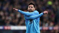 Lionel Messi se rozcvičuje