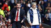 Liverpoolský trenér Brendan Rodgers (vlevo) a José Mourinho z Chelsea.
