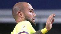 Aleix Vidal (ve žlutém) v posledním zápase za Barcelonu proti AS Řím.