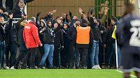 Fanoušci Bordeaux přerušili na téměř půl hodiny zápas