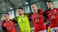 Zleva Marek Suchý, Tomáš Vaclík, Michael Krmenčík a Jakub Jankto před utkáním s Islandem.