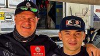 Tomáš Enge (vlevo) a jeho nový navigátor Rudy Briani.