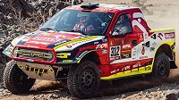 Automobilový jezdec Martin Prokop na trati Rallye Dakar.