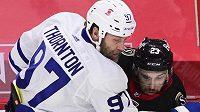 Joe Thornton bude minimálně měsíc chybět hokejistům Toronta kvůli zlomenému žebru