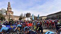 Peloton během závodu Milán-San Remo - ilustrační foto.