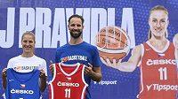 Kateřina Elhotová a Vojtěch Hruban představili nové dresy českých basketbalových reprezentací.