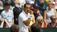 Lukáš Rosol na letošním Wimbledonu, kde skončil už v 1. kole.