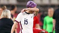 Zklamaná Američanka Megan Rapinoeová po semifinálové porážce s Kanadou.