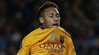 Skleslý Neymar po svém nepřesném pokusu na branku soupeře