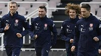 Zleva Tomáš Souček, Jaromír Zmrhal, Alex Král a Milan Škoda na tréninku