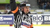 Rozhodčí Pavel Hodek bude řídit zápasy letošního mistrovství světa v ledním hokeji.