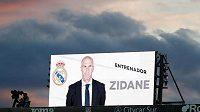 Kouč Realu Madrid Zinédine Zidane vyhlásil pro příští rok hlavní klubový cíl. Tím je zisk titulu v La Lize a ukončení barcelonské dominance.