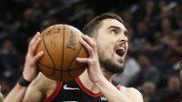 Basketbalista Chicaga Bulls Tomáš Satoranský (31) v utkání s Minnesotou.